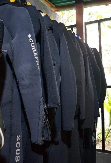 scuba diving suits