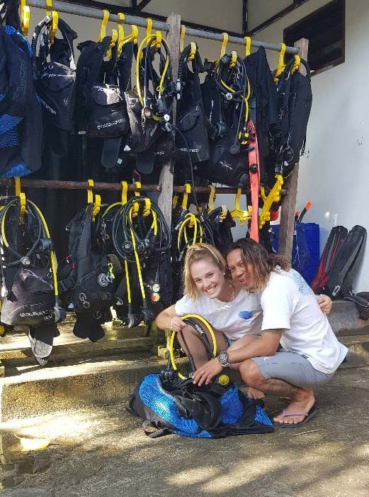 dive instructor in scuba center asia